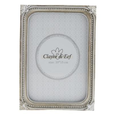 Clayre & Eef 2F0515M Képkeret műanyag12x17cm / 10x15cm kép, ezüst körben bogyós díszítéssel